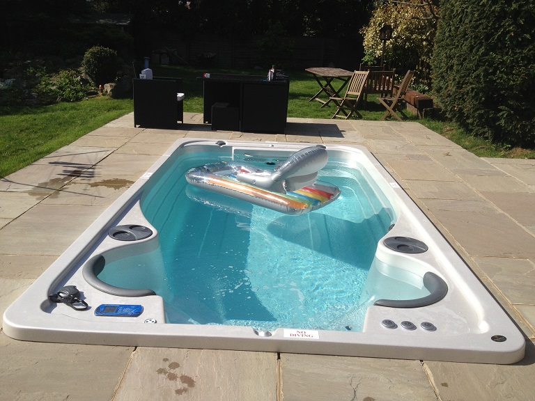 Swimming spas 14 fx aquasport swim spa by hydropool for Exercise pool canada