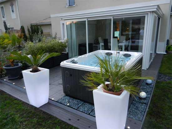 Serenity 4000 Hot Tub in a garden