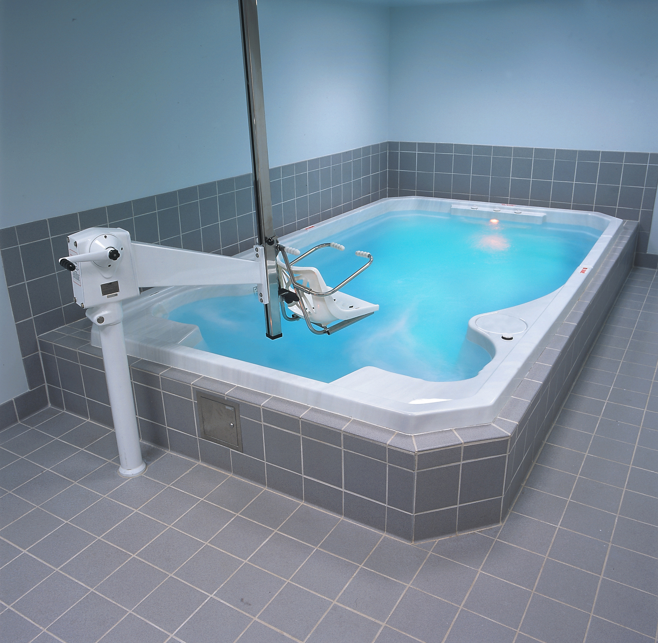 New Minas Swim Spas - Holland Home Leisure - Hydropool Hot Tubs ...